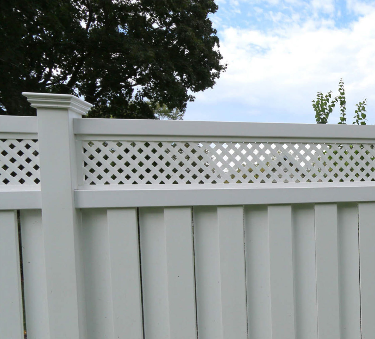 Shadow Box Lattice Top Privacy Fence