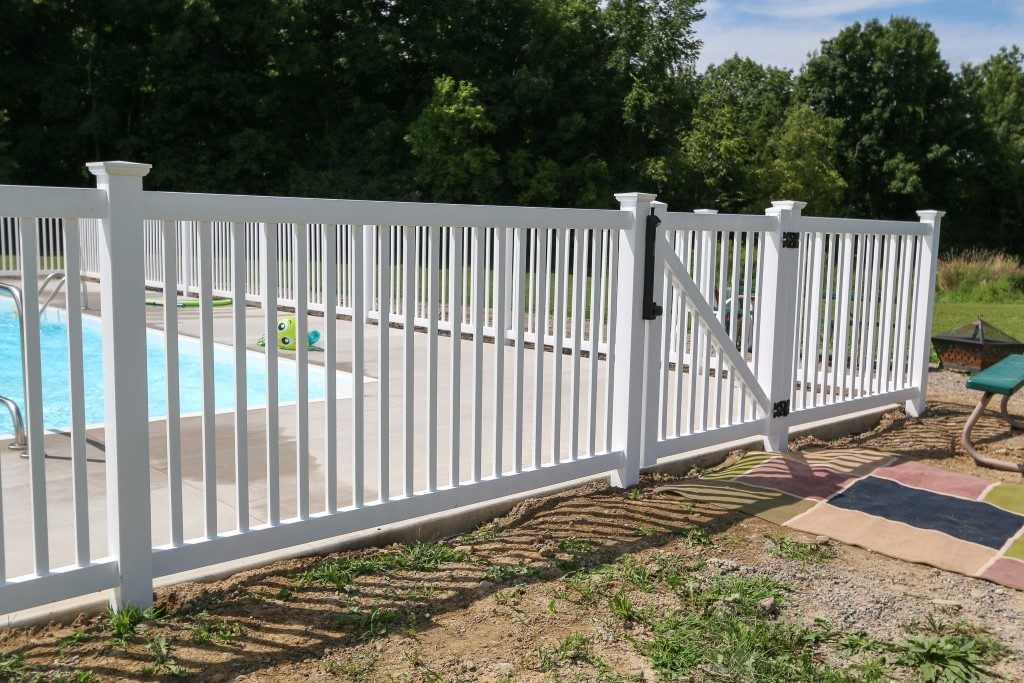 Cayuga Standard Yard Fence
