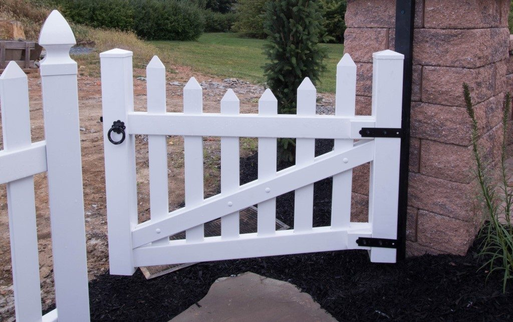 Herkimer Concave Top Picket Fence