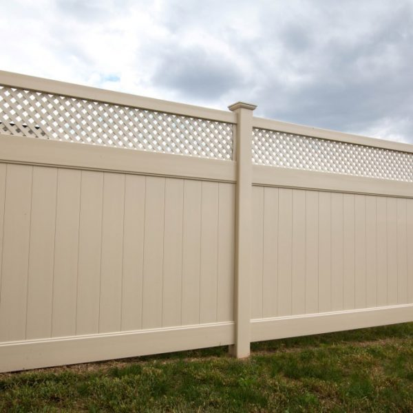Vinyl Fulton Privacy Fence