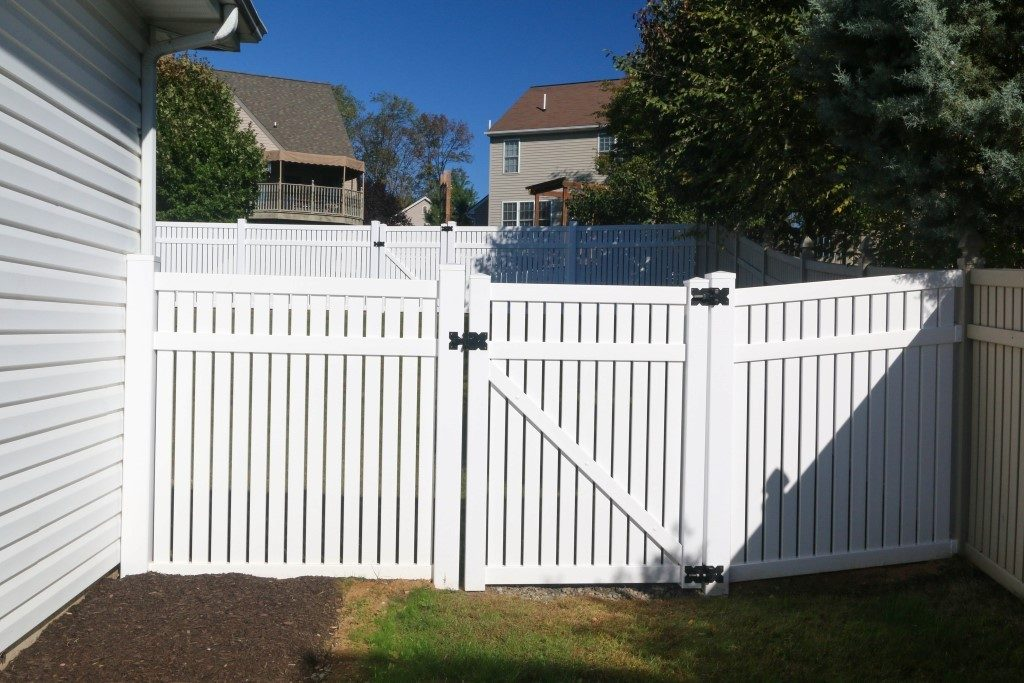 New York Standard Yard Fence