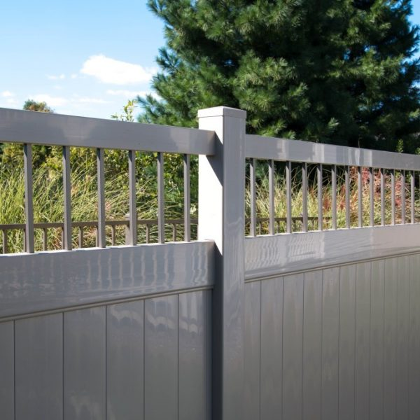 Fulton Privacy Alum Spindle Top Fence in Tan