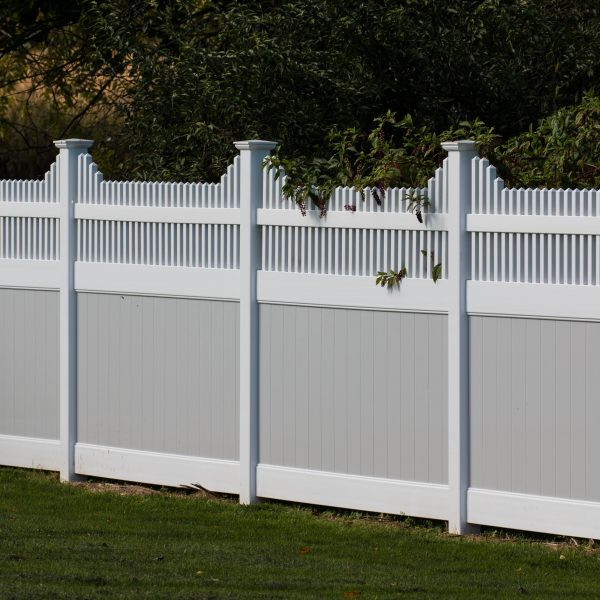 Vinyl Fulton Privacy Franklin Step Top Fence