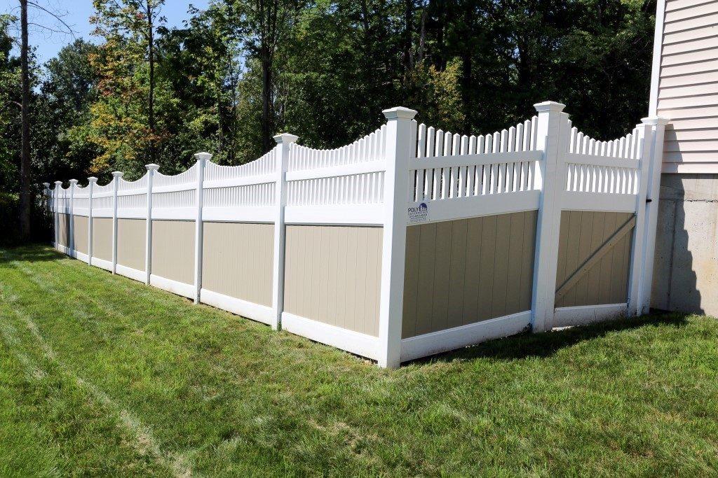 Franklin Concave Top Picket Fence