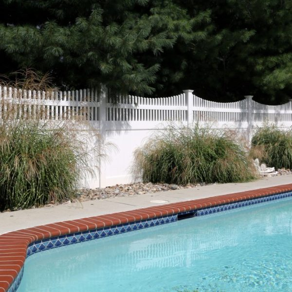 Vinyl Fulton Privacy Fence in White