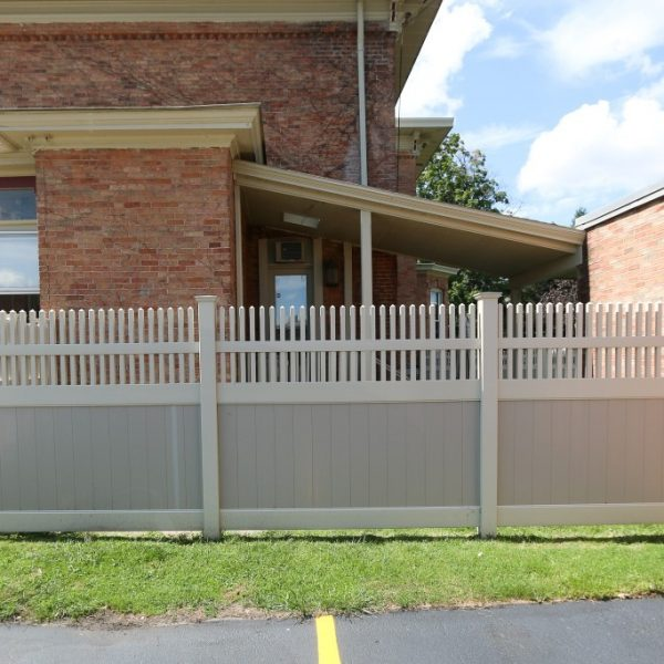 Franklin Straight Top Fencing in Tan