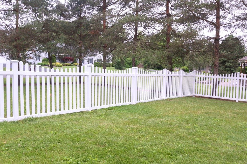 Hamilton Concave Top Picket Fence