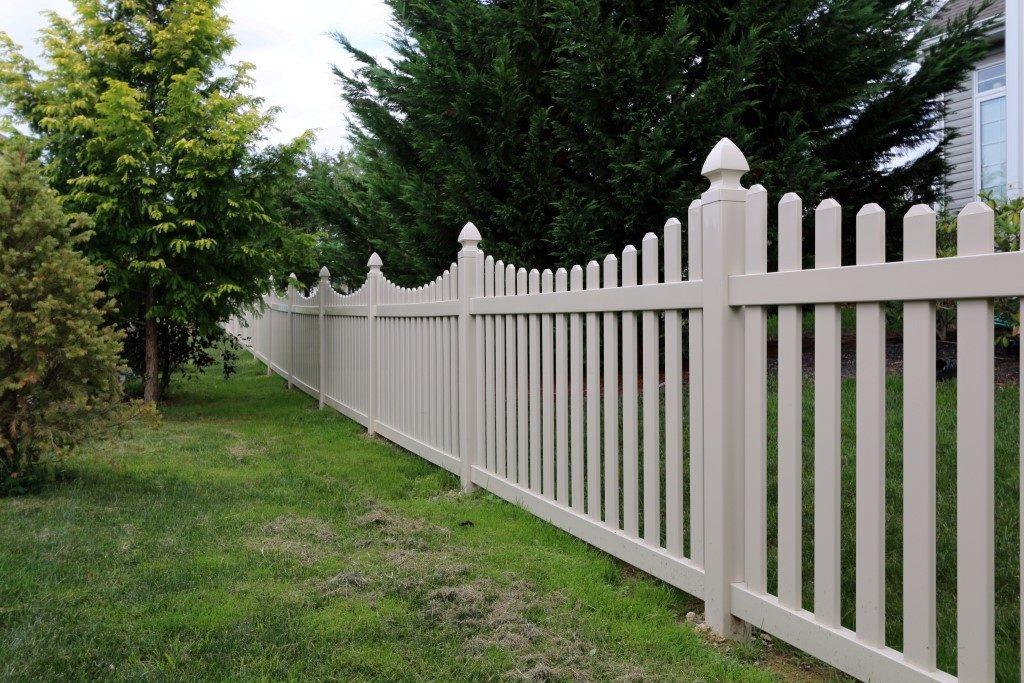 Hamilton Concave Top Picket Fence
