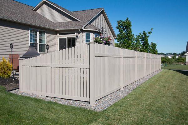 hamilton style straight fence in backyard