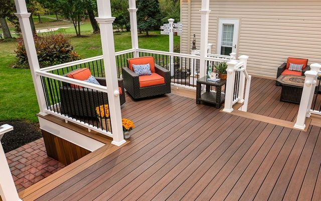 Best Decking Material: Wood vs. Vinyl vs. Composite