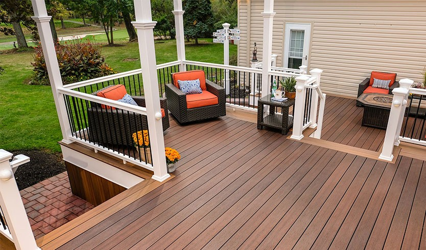 Best Decking Material: Wood, Vinyl, or Composite | Deck Material Options