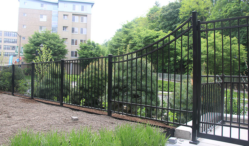 custom swoop aluminum fence