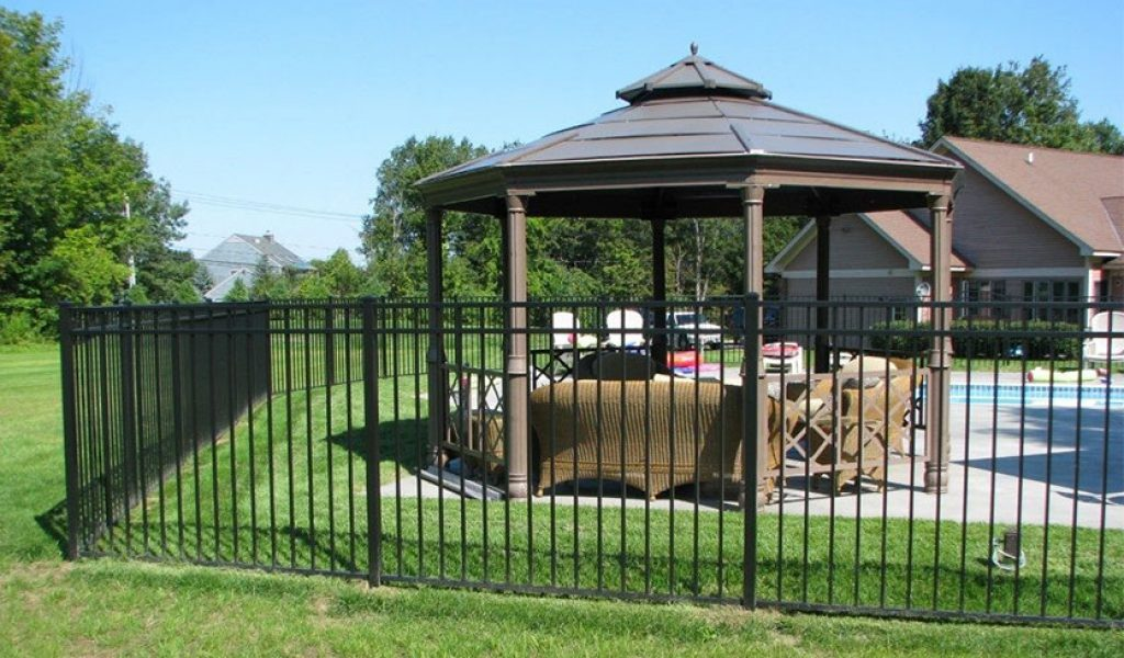 low maintenance aluminum fencing option
