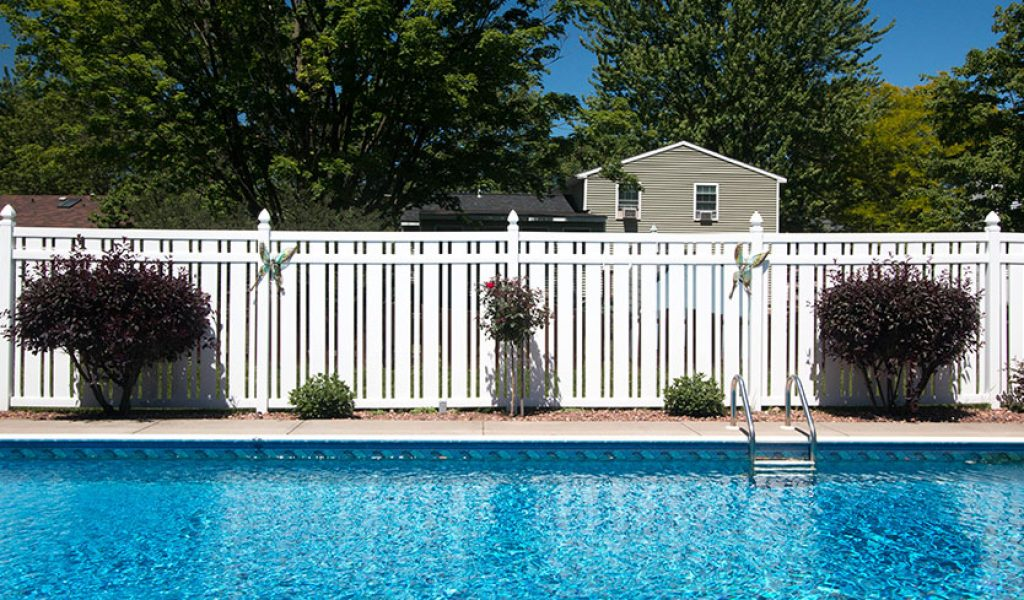 maintenance free vinyl yard fence