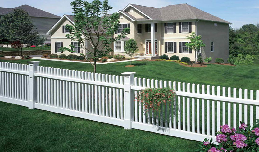 fence color ideas for house with stucco