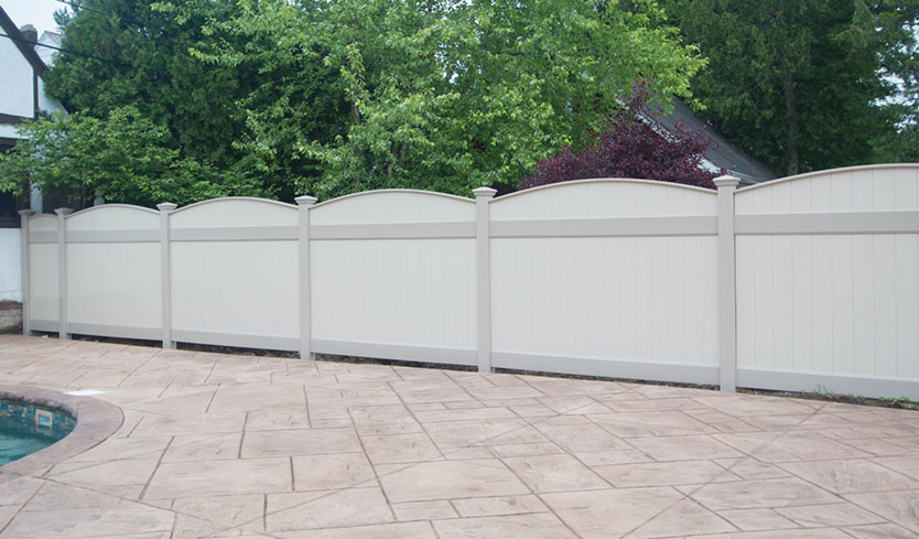 attractive fulton curved privacy fencing