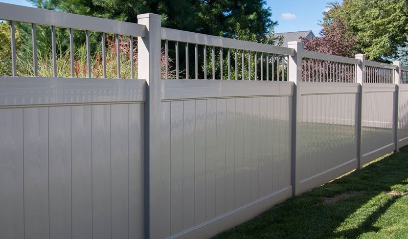 attractive vinyl privacy fence with aluminum top
