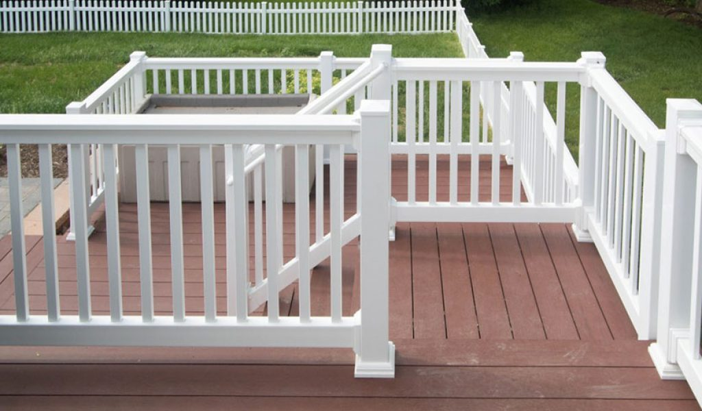 maintenance-free vinyl railing for deck stairs