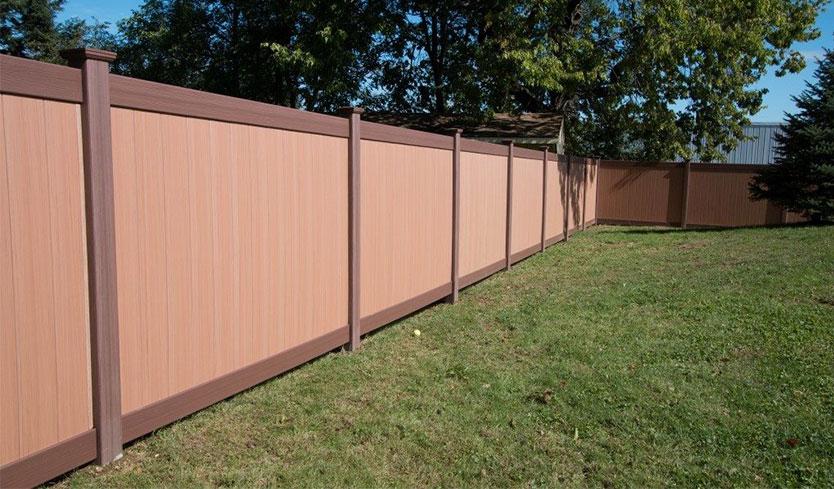 unique rustic and modern fence idea