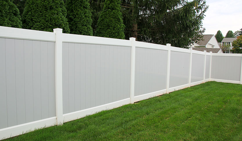 build your own vinyl fence