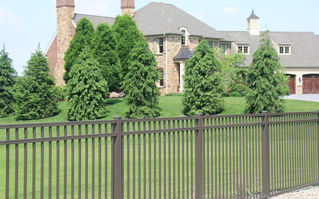 Must-See Front Yard Fence Ideas